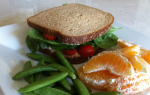 Outside the {Lunch} Box: Hummus Sandwich