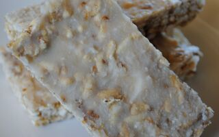 DIY Lemon Zest Luna Bars