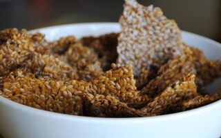 DIY Flaxseed Crackers